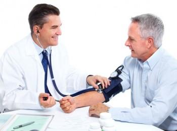 Cách chữa bệnh cao huyết áp ở người già, những điều cần lưu ý