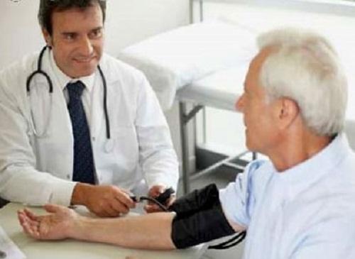 Kiểm tra sức khỏe thường xuyên để phòng bệnh nhồi máu cơ tim