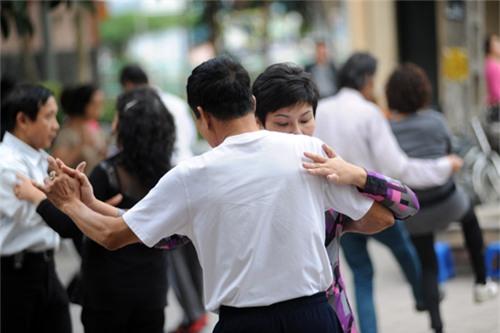 Khiêu vũ – Môn thể thao dành cho bệnh tim mạch