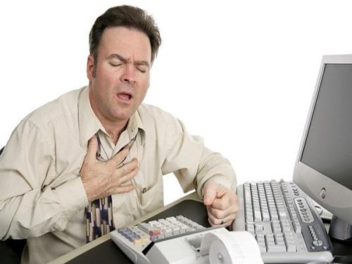 Khó thở là triệu chứng thường gặp nhất của suy tim cấp