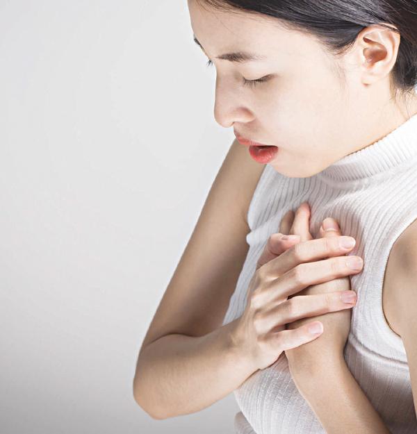 Phân biệt đau ngực do ợ nóng và bệnh tim mạch