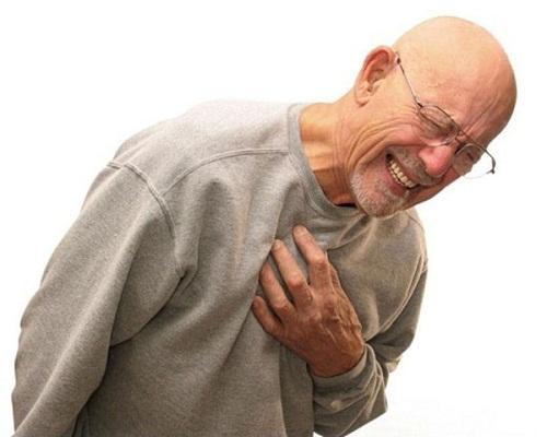 Đau ngực là triệu chứng của nhồi máu cơ tim cấp